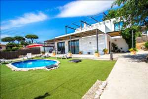 BEAUTIFUL CONTEMPORARY HOUSE WITH POOL AND 3 ROOMS, SILS