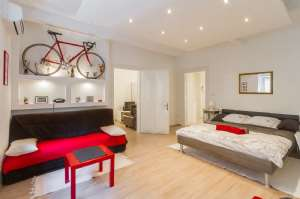 Red Bike Apartment