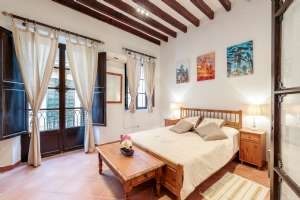 "Renovated Flat Old Town ""La lonja"""