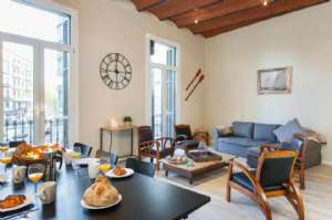 GORGEOUS MODERNIST FLAT FOR 10 PEOPLE, PLAZA CATALUNYA