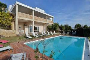 LUXURY VILLA WITH SWIMMING POOL AND TERRACE SITGES